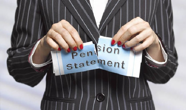 Final salary pension transfer pros and cons